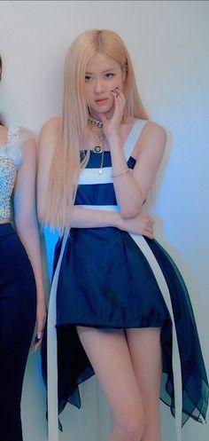 Kill this love version Japan Girl Celebrities, Korean Celebrities, South Korean Girls, Korean Girl Groups, Yg Entertainment, 1 Rose, Lisa, Blackpink Photos, Jennie Blackpink