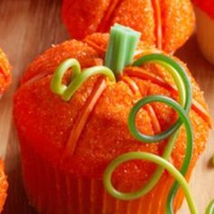 Fete Halloween, Halloween Cupcakes, Halloween Treats, Halloween Stuff, Halloween Pumpkins, Thanksgiving Cupcakes, Pumpkin Cupcakes, Holiday Treats, Holiday Fun