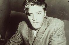 Elvis~~