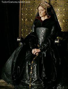 Catherine of Aragon - black gown  - The other Boleyn Girl