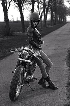 larchedenowaypictures:  Cafe Racers GR    Cafe#racer#girl