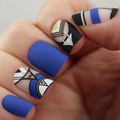 Pretty Woman 24 Artificial Nail Kit, Blue Black & White Geometric Matte