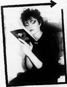 Siouxsie joins hands for her favorite book Siouxsie Sioux, Siouxsie & The Banshees, 80s Goth, Punk Goth, Celebrities Reading, One Wave, Robert Smith, Post Punk, My Favorite Music