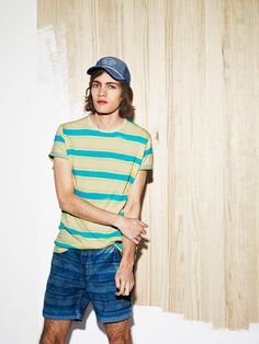 Travel Dreams-Spanish retailer Pull & Bear enlists Canadian model Marcel Castenmiller for a look at their latest offerings. Pull And Bear Men, Outfits Hombre, Casual Wear For Men, Stylish Men, Best Brand, Fashion Addict, Editorial Fashion, Mens Fashion, Street Fashion