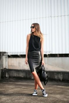 leather skirt / casual