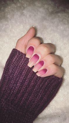 Ombré nail art