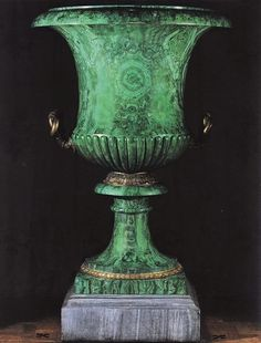 malachite urn - Traditional Style - Shades of Green. I love me some malachite!