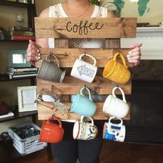 Coffee Mug Rack - Reclaimed Wood look Coffee Cup Organizer - Kitchen Wall Decor - Mug Storage - Amazing Diy Decorations Coffee Cup Rack, Coffee Cups, Coffe Bar, Coffee Time, Coffee Beans, Tea Cups, Coffee Maker, Mug Storage, Kitchen Storage