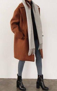 Oversized coat + chunky boots + skinny jeans