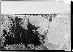 File:View showing Crooked River High Bridge in background and Ralph Modjeski railroad bridge in foreground - Crooked River High Bridge, Spanning Crooked River Gorge at Dalles HAER ORE,9-TERBO.V,1-5.tif