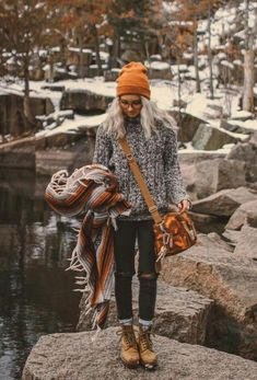 25 Winter Outfits With Cap that do More than Keep You Warm - Trend Camping Outfits 2020 Fall Winter Outfits, Autumn Winter Fashion, Winter Style, Winter Dresses, Casual Winter, Winter Layering Outfits, Winter Beauty, Evening Dresses, Looks Style