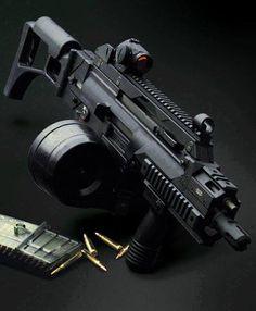 Heckler & Koch Assault Rifle with 100 Round C-Mag Drum Magazine Military Weapons, Weapons Guns, Guns And Ammo, Assault Weapon, Assault Rifle, Airsoft, Armas Ninja, Home Defense, Cool Guns