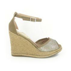 Compensée Kiara Doré http://www.chaussures-eclipse.fr/chaussures-compensees-femme/1933-chaussures-femme-compensee-kiara-dore.html