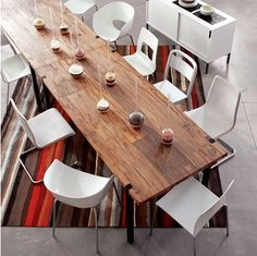 Reclaimed wood table with all sorts of modern white chairs Reclaimed Wood Kitchen, Reclaimed Wood Dining Table, Wooden Kitchen, Rustic Table, Dining Room Table, Table And Chairs, A Table, Wood Tables, Kitchen Tables