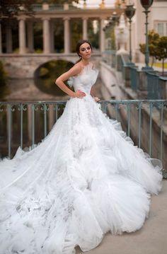Die 1381 Besten Bilder Von Brautkleider Ausgefallen Couture Kleid