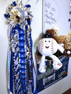 Billy Baseball is building up his courage (with the help from a few friends) to ask a special Texas girl to be his date for homecoming.  He has a one-of-a-kink homecoming mum to give her that features everlasting Sports Roses.  Find out more about Sports Roses here:  http://sportro.se/mums-garters