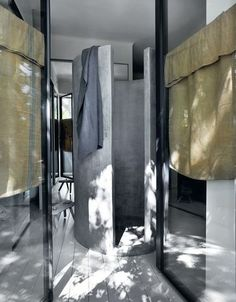 Bathroom made with concrete—love love love / #home #interior #bath