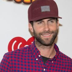 Maroon 5 are reportedly in advanced talks with NFL bosses about performing at the Super Bowl 50 halftime show in 2016.