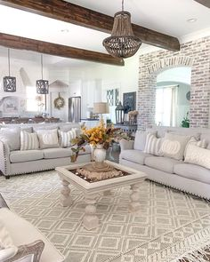 awesome shabby chic apartment living room design and decor ideas 1 Shabby Chic Apartment, Shabby Chic Living Room, Living Room Modern, Home Living Room, Apartment Living, Living Room Designs, Living Room Decor, French Country Living Room, Living Room Sets