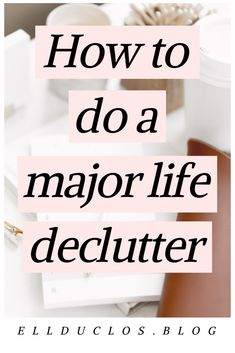 13 best ways to declutter your life. How to remove the toxic from your life. How to spring clean your life this year and get organized! Sharing 13 ways that you can spring clean your home and life to feel refreshed. Deep Cleaning Tips, House Cleaning Tips, Spring Cleaning, Cleaning Hacks, Cleaning Products, Konmari, Garage, Declutter Your Life, Declutter Bedroom