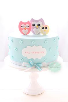Aqua Cake with Flowers and Owls (Ana Carolina)