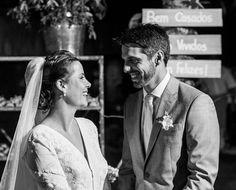"""Queríamos que nosso casamento não fosse apenas uma festa...mas sim uma celebração, um ritual de passagem"""", contou Carla Gottardi, que realizou seu casamento em Trancoso com o publicitário Vinicius Montana. Veja mais: http://yeswedding.com.br/pt/antena-yes/post/juras-de-amor-na-bahia"""