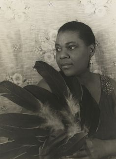 This portrait of blues icon Bessie Smith by Carl Van Vechten is one that @Newshour 24 24 selected as defining American cool. Do you agree? (Photo: National Portrait Gallery)
