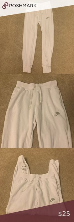 "White Nike ""Just Do It"" Sweatpants Like New Nike Sweatpants Size: XS womens Color: White with silver lettering Condition: Very good only worn a few times logo on back/side of leg: ""Just do It"" Nike Pants Nike Sweatpants, Nike Pants, Shades For Women, Plus Fashion, Fashion Tips, Fashion Trends, White Nikes, Just Do It, Pant Jumpsuit"