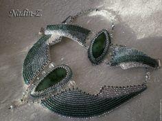 Купить Крылатый нефрит - тёмно-зелёный, нефрит, бисер, серебристый, колье, браслет, нефрит
