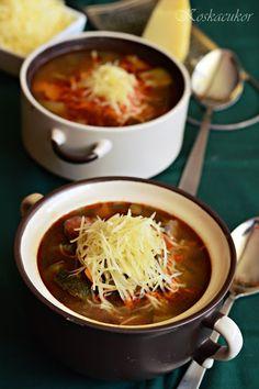 Koskacukor: Olaszos lencseleves Mozzarella, Soup Recipes, Chili, Keto, Soups, Food, Chile, Essen, Soup