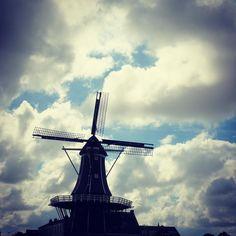 Netherlands windmill!  #travel #netherlands #rotterdam #amsterdam #haarlem #windmill #clouds #winds #derailleurch
