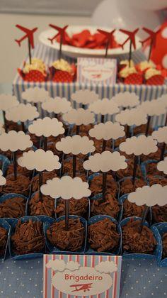 022 by PraGenteMiúda, via Flickr Planes Birthday, Planes Party, 1st Boy Birthday, 1st Birthday Parties, Birthday Ideas, Vintage Airplane Party, Super Party, Peppa Pig, Party Ideas