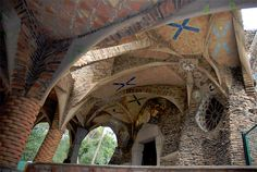 Google Image Result for http://www.solidsmack.com/wp-content/uploads/2010/04/Colonia-Guell-Gaudi.jpg