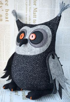 Owl Sewing, Sewing Dolls, Sewing For Kids, Sewing Crafts, Felt Crafts Patterns, Plushie Patterns, Felt Owls, Fabric Toys, Christmas Sewing