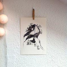 """Lámina Hamlet.Colección """"Bocetos de Shakespeare"""".Edición limitada firmada por Marina Guiu.Impresión sobre papel digital de conquistador de 300gr.Medida A4 (21x 29,7 cm).Para más información:espacio-store@hotmail.com Conquistador, Shakespeare, Sketches, Space, Paper Envelopes"""