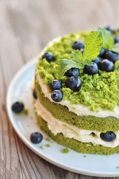 mechový dort/moss cake Moss Cake, Sweet Recipes, Cake Recipes, Limes, Soul Food, Red Velvet, Vanilla, Food And Drink, Eat