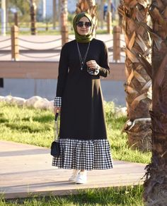 Trendy Plaid and Plain Matching Abaya Fashion for Muslims – Girls Hijab Style & Hijab Fashion Ideas Trendy Dresses, Modest Dresses, Modest Outfits, Simple Dresses, Dress Outfits, Hijab Style Dress, Hijab Outfit, Abaya Style, Hijab Chic
