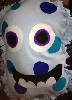 No sew monster cushion! So simple to do!