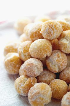 Italian Doughnuts!! I'm gonna get me some next week!! @Lisa Crist Rob Runyon