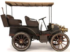 1899 PANHARD & LEVASSOR 6-HP TYPE A1 DOUBLE PHAETON WITH CANOPY