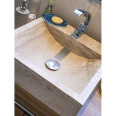 Vasque pratique et design naturel