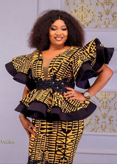 Latest African Fashion Dresses, African Dresses For Women, African Print Fashion, African Attire, African Fashion Traditional, African Print Dress Designs, Types Of Fashion Styles, Wax, Ankara Skirt