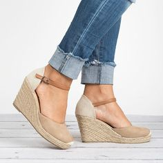 Ankle Strap Straw Wedges #wedgesshoesoutfit