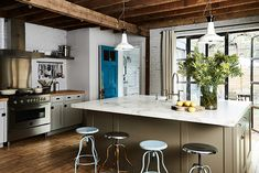 Make Way For Wood - Research Says These Are The Most Popular Kitchen Trends For 2018 - Photos