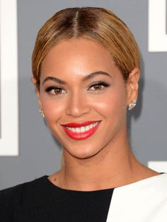 Grammys 2013: The 5 celebs with the best hair and makeup — Beyoncé http://beautyeditor.ca/2013/02/13/grammys-2013-the-5-celebs-with-the-best-hair-and-makeup/