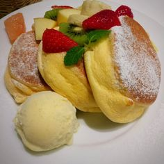 5 things to do in Harajuko - Miles and Coffee Pancake Cat, Happy Pancakes, Takeshita Street, Famous Store, Souffle Pancakes, Japanese Pancake, Japanese Love, Famous Architects, Cake Shop