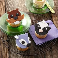 Forest Friends Fondant Cupcakes - Who can resist these friendly faces? It's easy to bring out their personalities using Decorator Preferred Fondant and Leaf and Oval Fondant Double Cut-Outs Sets to cut the simple shapes. [Sweepstakes Pin]
