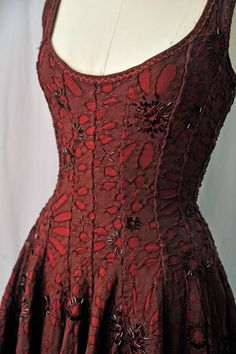 Dress from Alabama Chanin Trunk Show. via Nashville Arts: Alabama Chanin The High Priestess of Handmade Couture Diy Clothing, Sewing Clothes, Dress Sewing, Pretty Outfits, Cool Outfits, Looks Cool, Refashion, Dress Up, Dress Lace