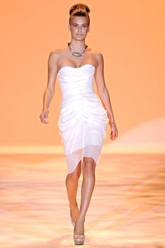 Christian Siriano Spring 2011 Ready-to-Wear Fashion Show - Caroline Francischini