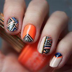 Unhas laranjas com detalhes étnicos! #nails #orange #etnico